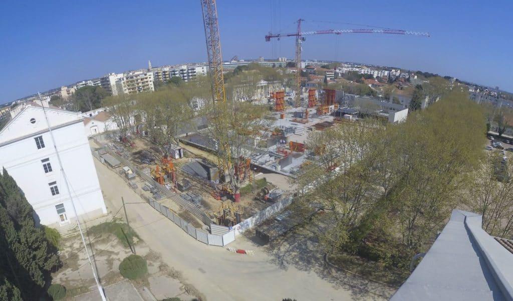 Mars 2019 : Les niveaux R-2 et R-1 sont terminés. Les étages commencent à sortir de terre.
